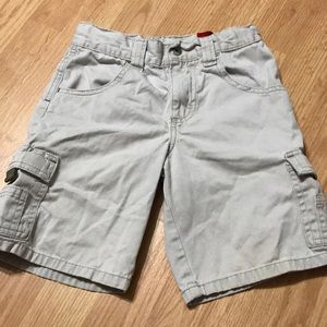 Wrangler Boys khaki shorts size 6 regular